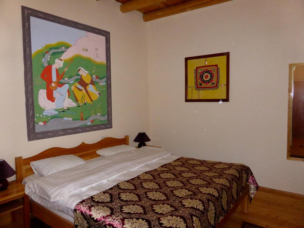 Chambre double Hôtel Hovly Poyon Boukhara 16