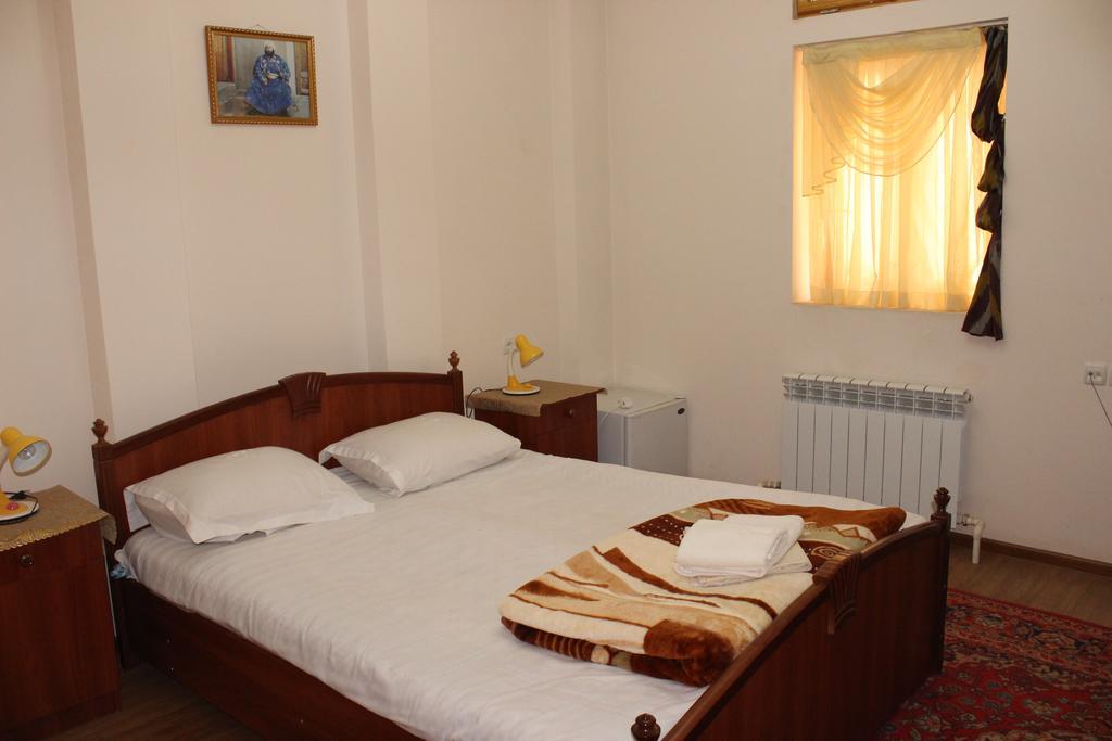 Chambre double Hôtel Nazira&Azizbek Boukhara 12