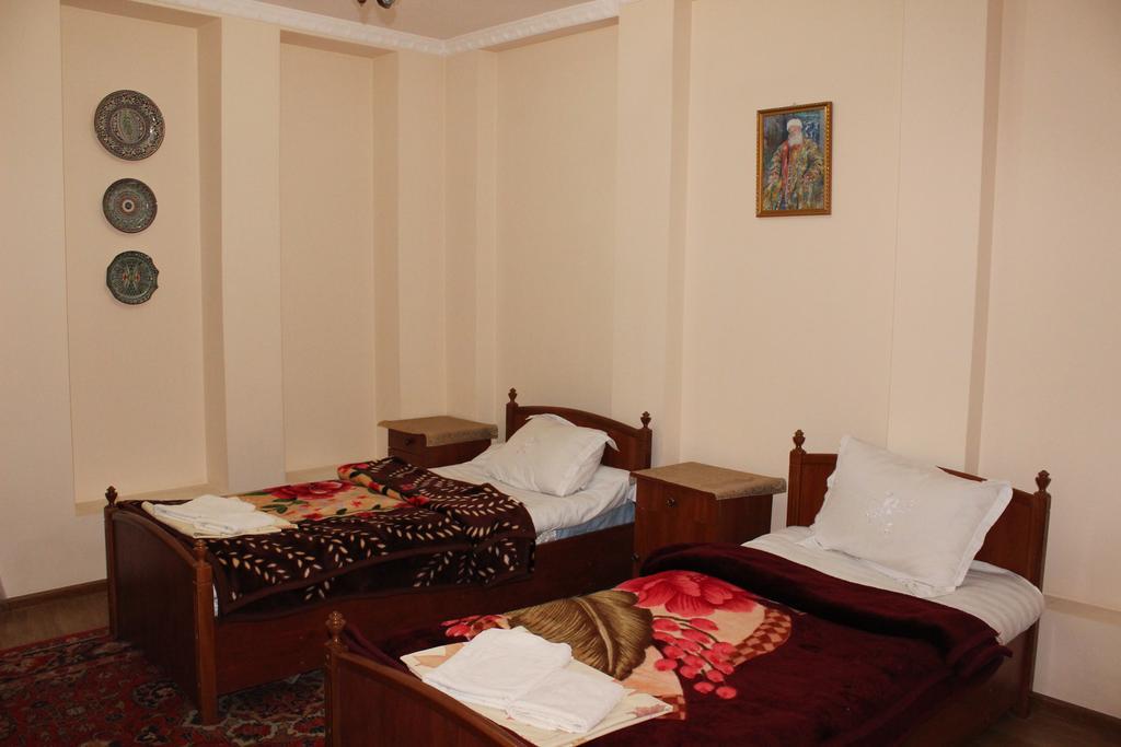Chambre double Hôtel Nazira&Azizbek Boukhara 8