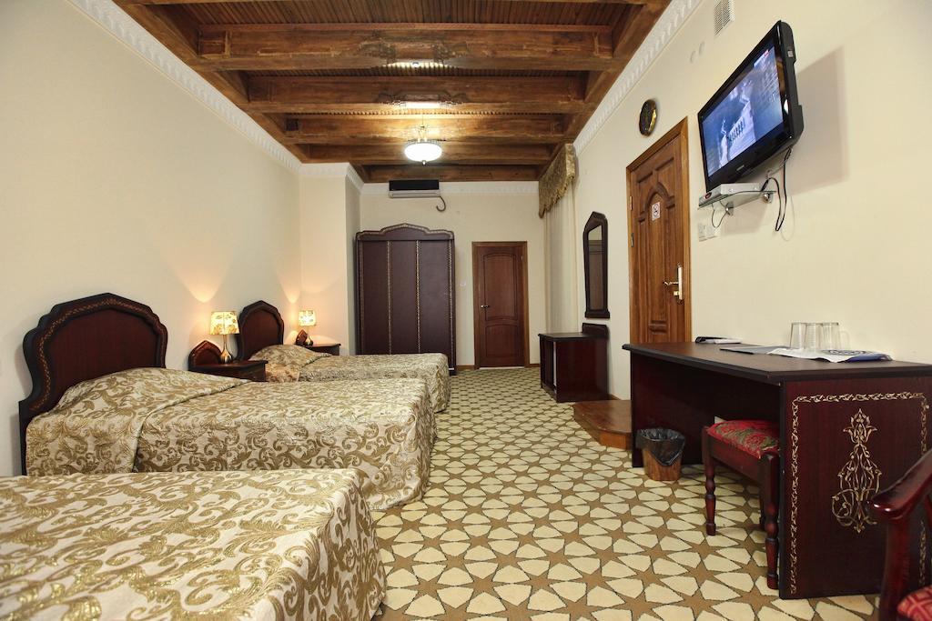 Chambre triple Hôtel Devon Begi Boukhara 14