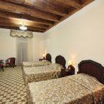 Chambre triple Hôtel Devon Begi Boukhara