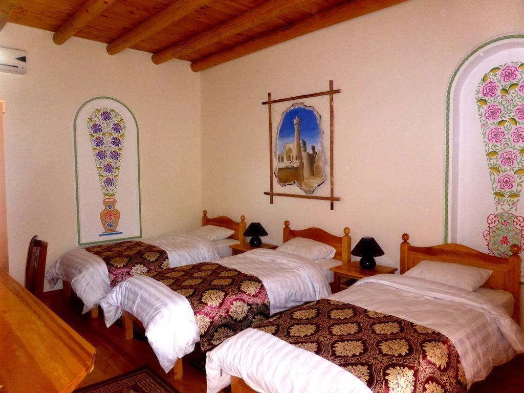 Chambre triple Hôtel Hovly Poyon Boukhara