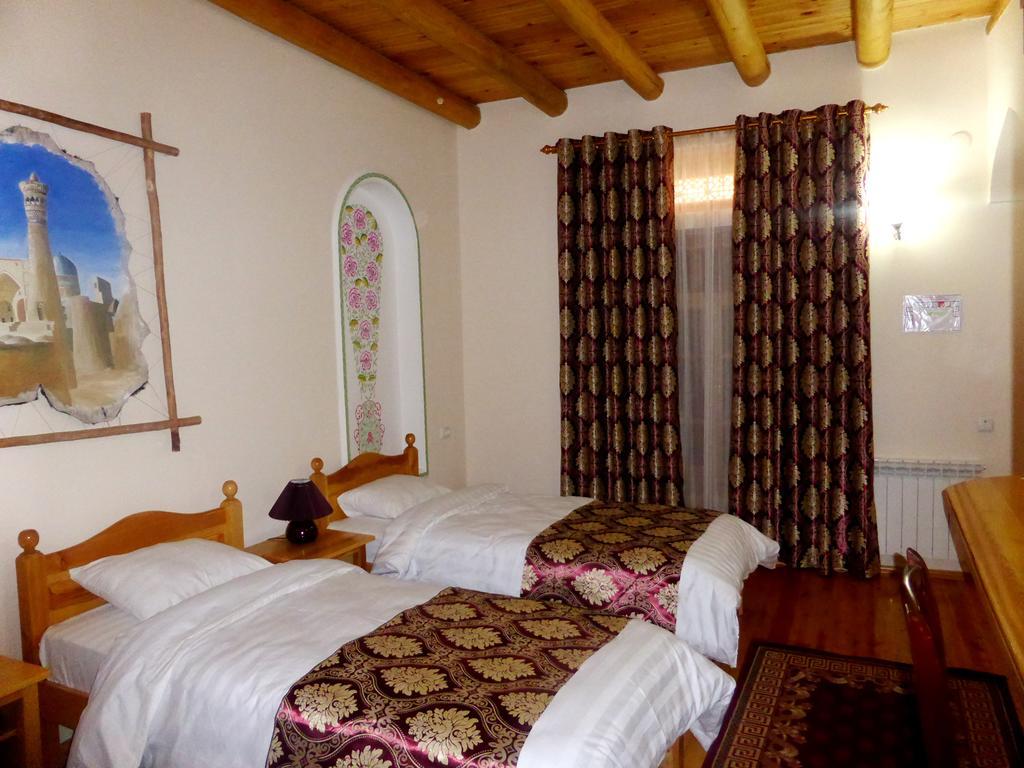 Chambre twin Hôtel Hovly Poyon Boukhara 22