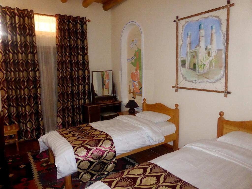 Chambre twin Hôtel Hovly Poyon Boukhara 23