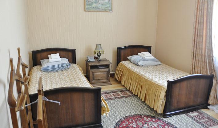 Chambre twin Hôtel Jipek Joli Noukous 5