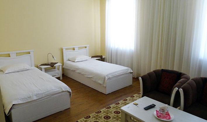 Chambre twin Hôtel Jipek Joli Noukous