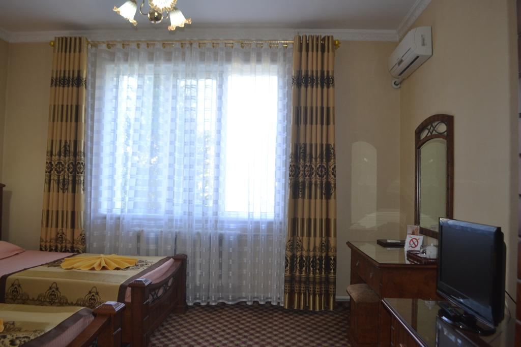 Chambre twin Hôtel Kuvontchoy Bonu Khiva 1