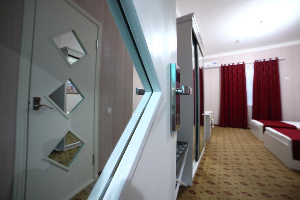 Chambre twin Hôtel Modarihon Boukhara 10