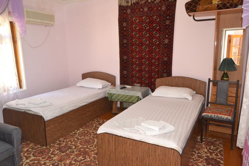 Chambre twin Hôtel Nazira&Azizbek Boukhara 6