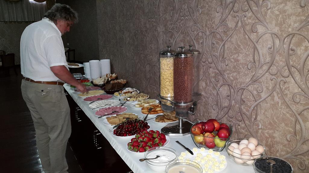 Cuisinne Hôtel Diyora Samarkand 13