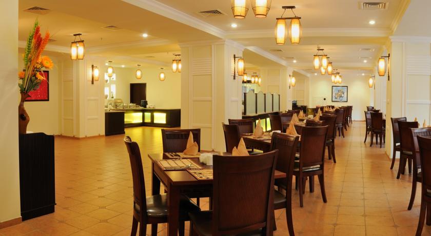 restaurant de l'Hôtel Ramada Tachkent 23