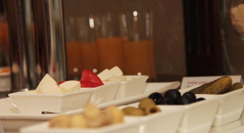 restaurant de l'Hôtel Ramada Tachkent 33