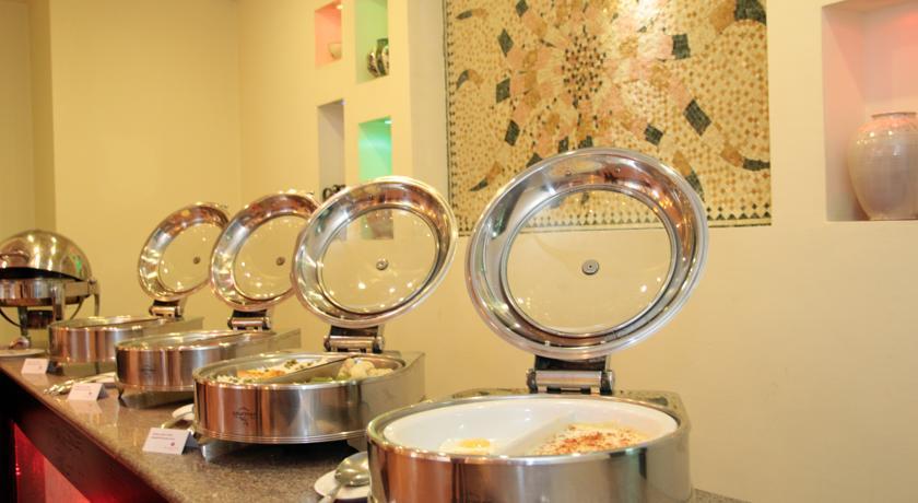 restaurant de l'Hôtel Ramada Tachkent 36