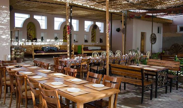 Restaurant Hôtel Jipek Joli Noukous 16