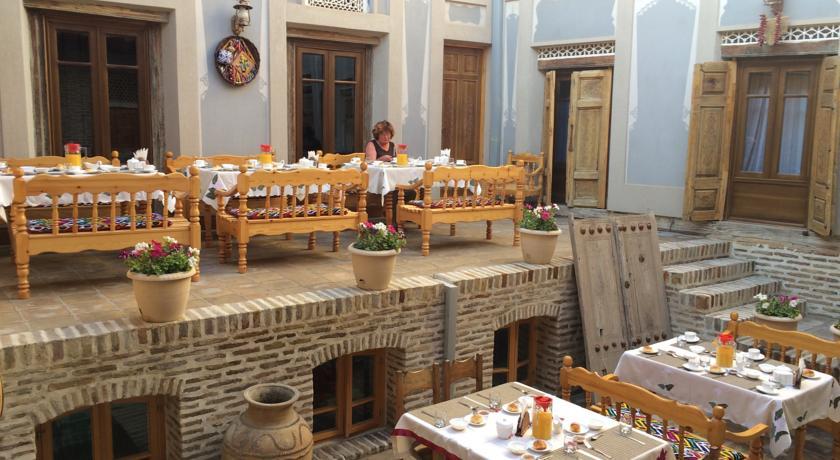 Restaurant Hôtel Kavsar Boukhara 24