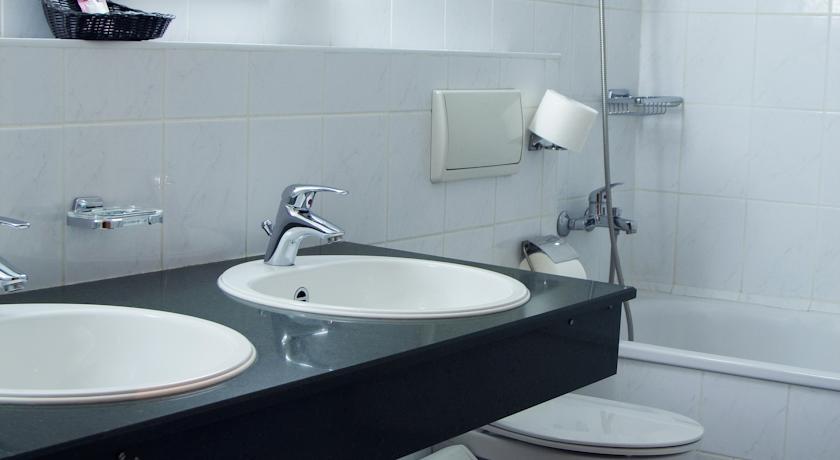 salle de bain Hôtel Chodlik Palace Tachkent 15