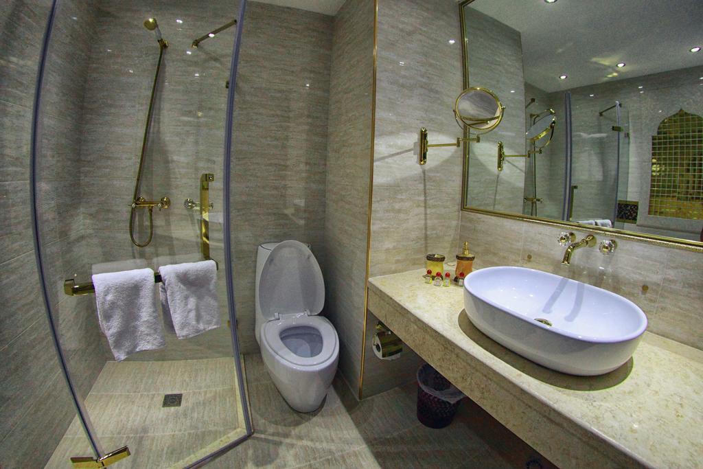 Salle de bain Hôtel Emirkhan Samarkand18