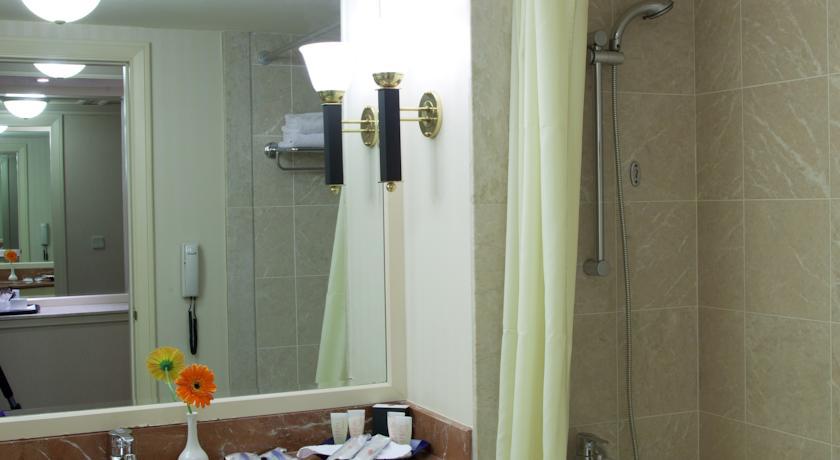 salle de bain Hôtel International Tachkent 22