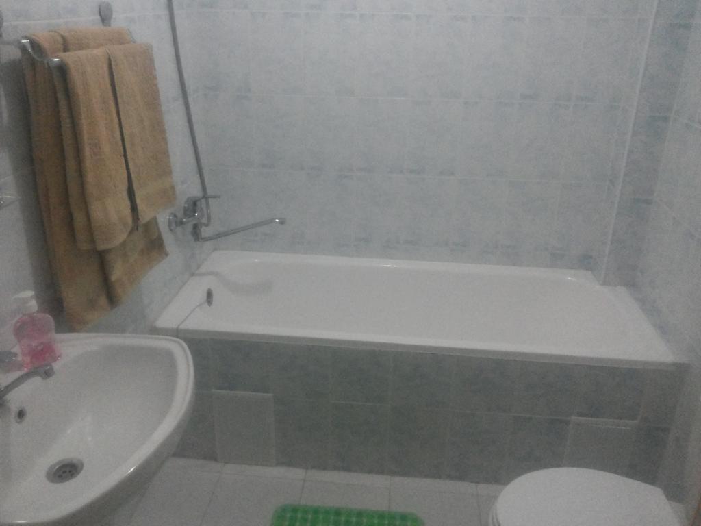 Salle de bain Hôtel Kuvontchoy Bonu Khiva 2
