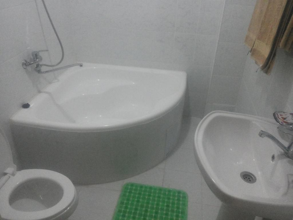 Salle de bain Hôtel Kuvontchoy Bonu Khiva 3