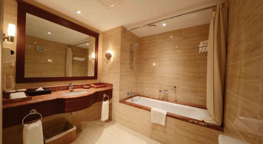 salle de bain Hôtel Lotte City Hôtel Tachkent Palace