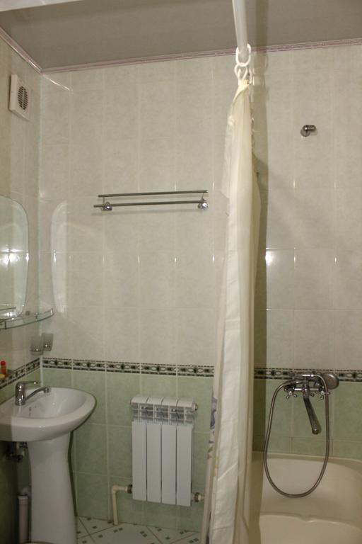 Salle de bain Hôtel Nazira&Azizbek Boukhara 13